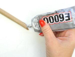 Как из бумажных трубочек сплдести корзинку (8)