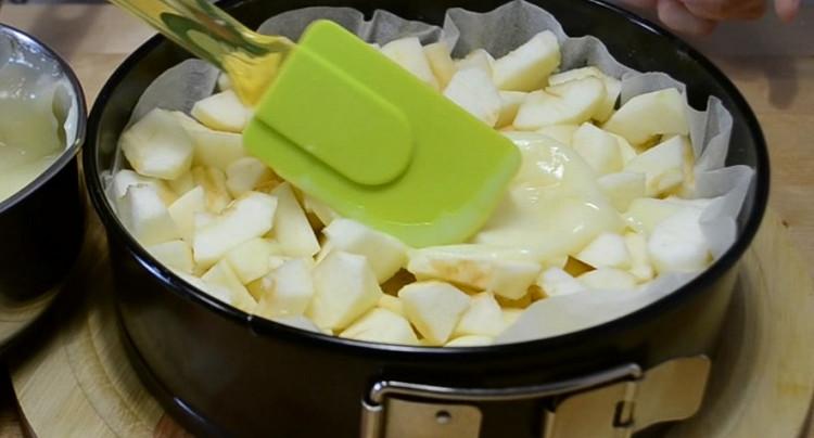 Гениальная шарлотка с невероятно вкусным заварным кремом: нежнее пирога ты не пробовала!