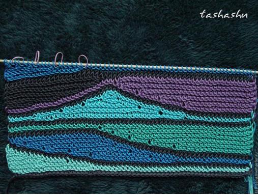 Вяжем волны из остатков пряжи... Светлана Гордон раскрывает секреты своих работ.